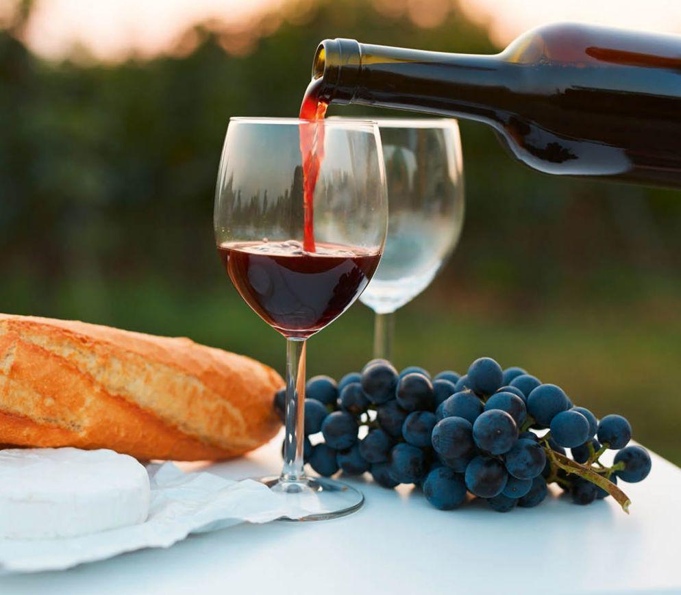Roter Bordeaux: Majestät und Verführung