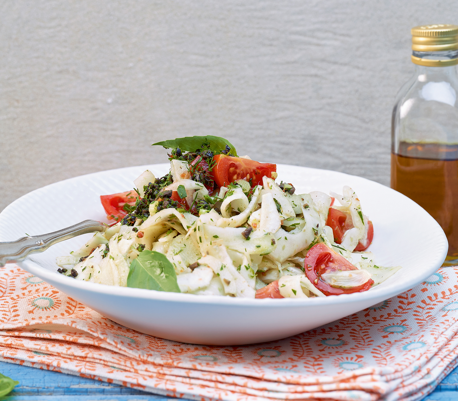 tomaten fenchel salat mit olivendressing annemarie wildeisen 39 s kochen. Black Bedroom Furniture Sets. Home Design Ideas
