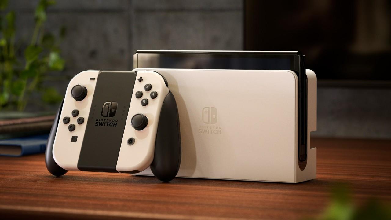 Zdjęcie z nową ulepszoną konsolą Nintendo Switch OLED