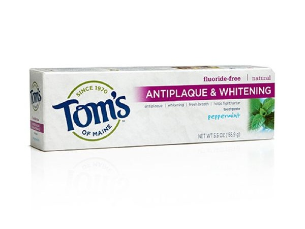 tom's antiplaque & whitening toothpaste box