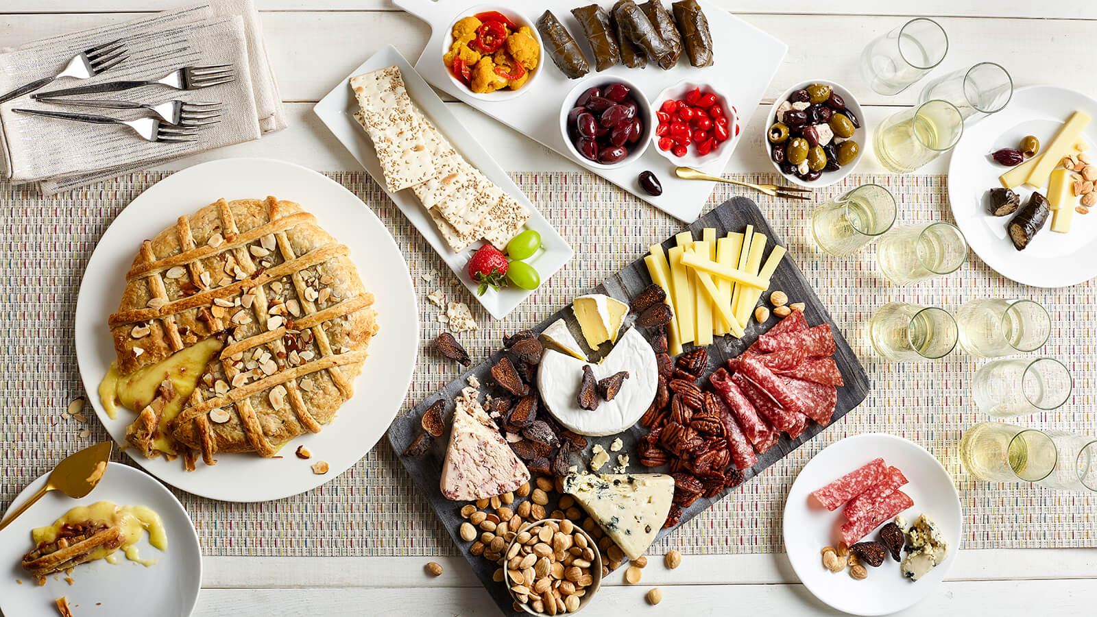 holiday brie and cheese platter