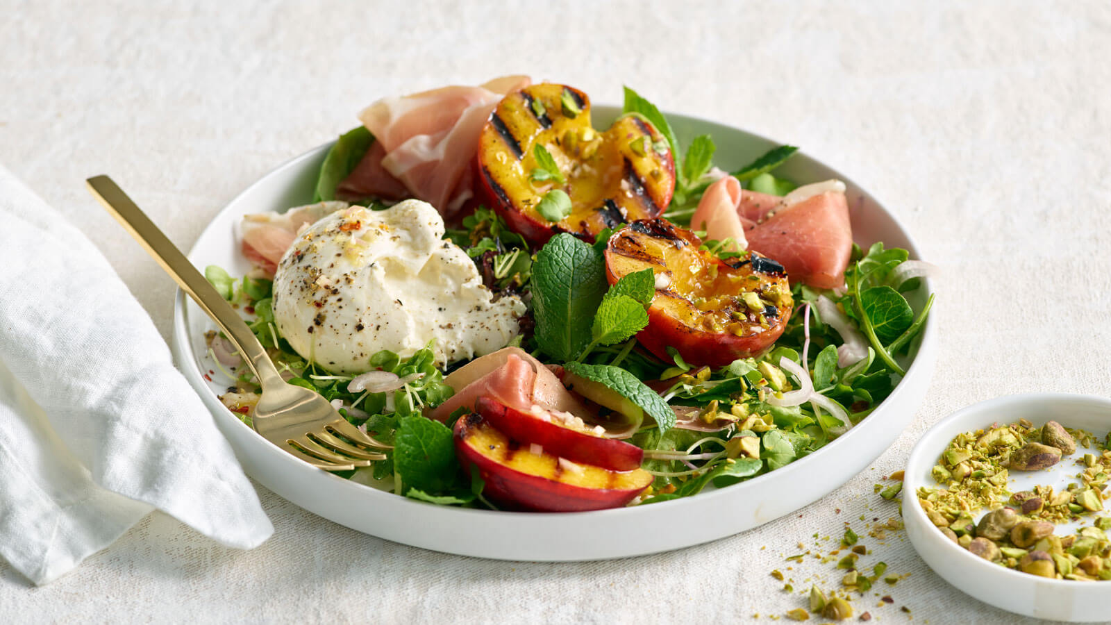 Grilled-Peach-and-Burrata-Salad