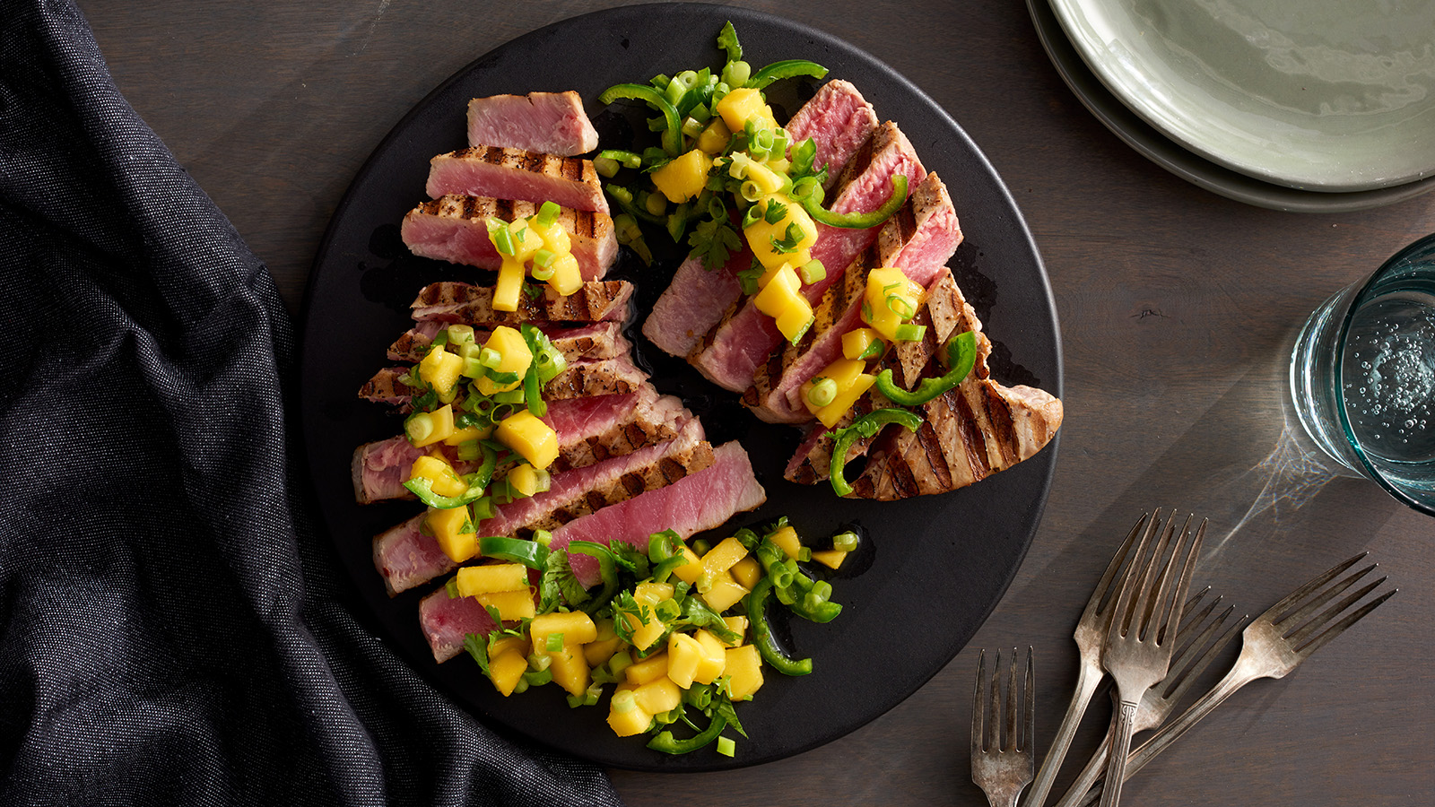 tuna with mango chile salsa