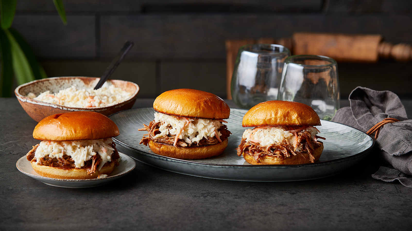 Slow Cooker Tangy Carolina Pulled Pork Sandwich