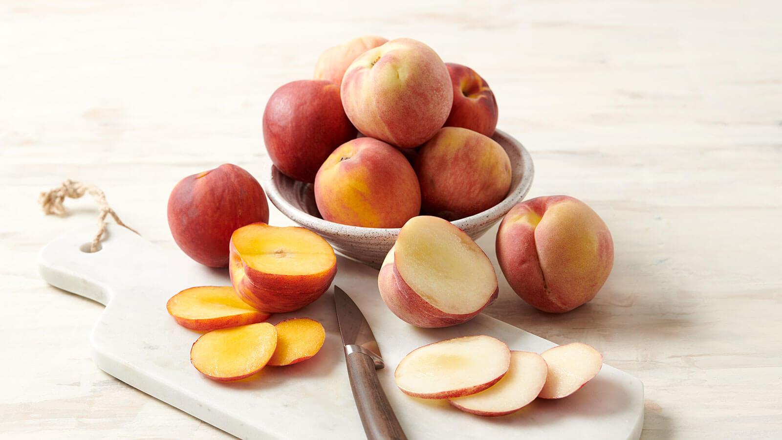 how to cut a clingstone peach