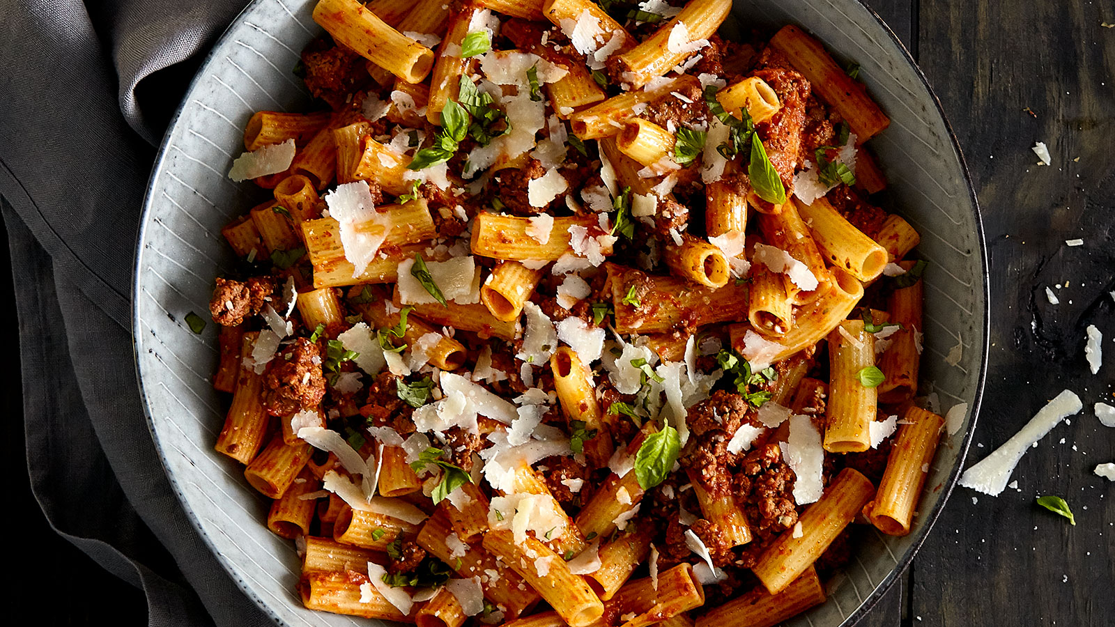 Rigatoni-with-Bolognese-Sauce-LBM