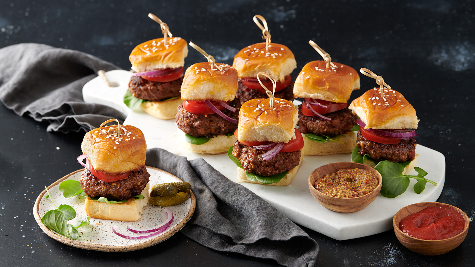Smokey Cheddar Mini Burgers Sliders