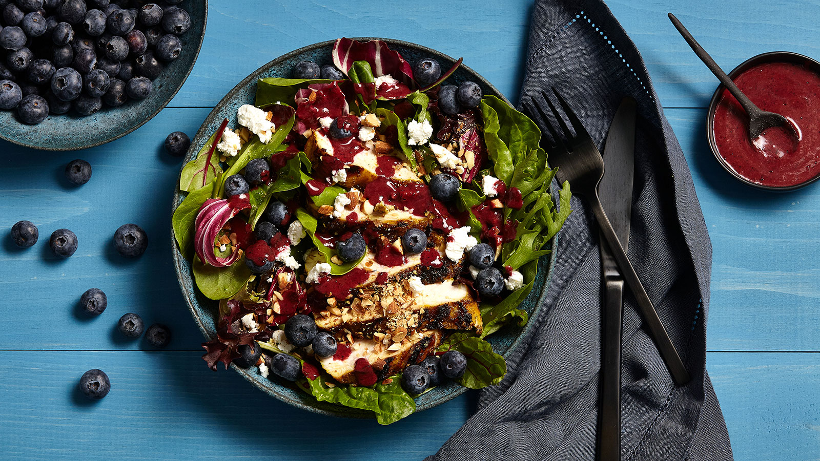 Blueberry Salad with Grilled Chicken