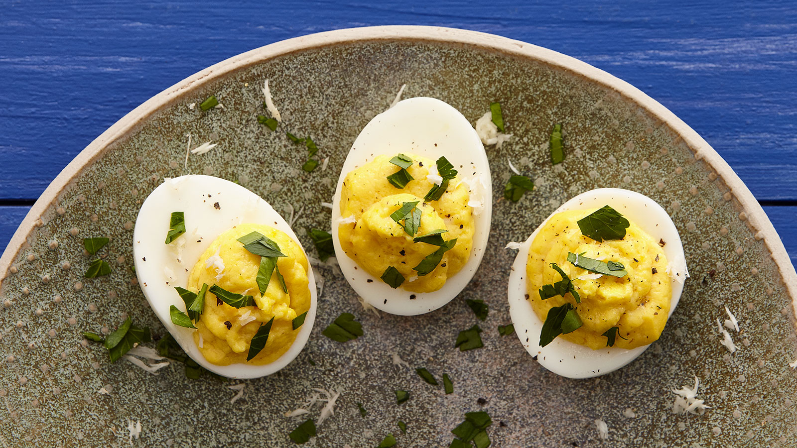 Deviled-Eggs-with-Fresh-Horseradish