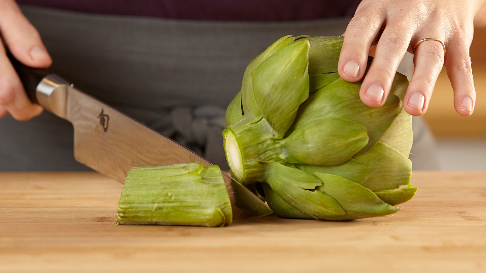 cut-off-stem-artichoke