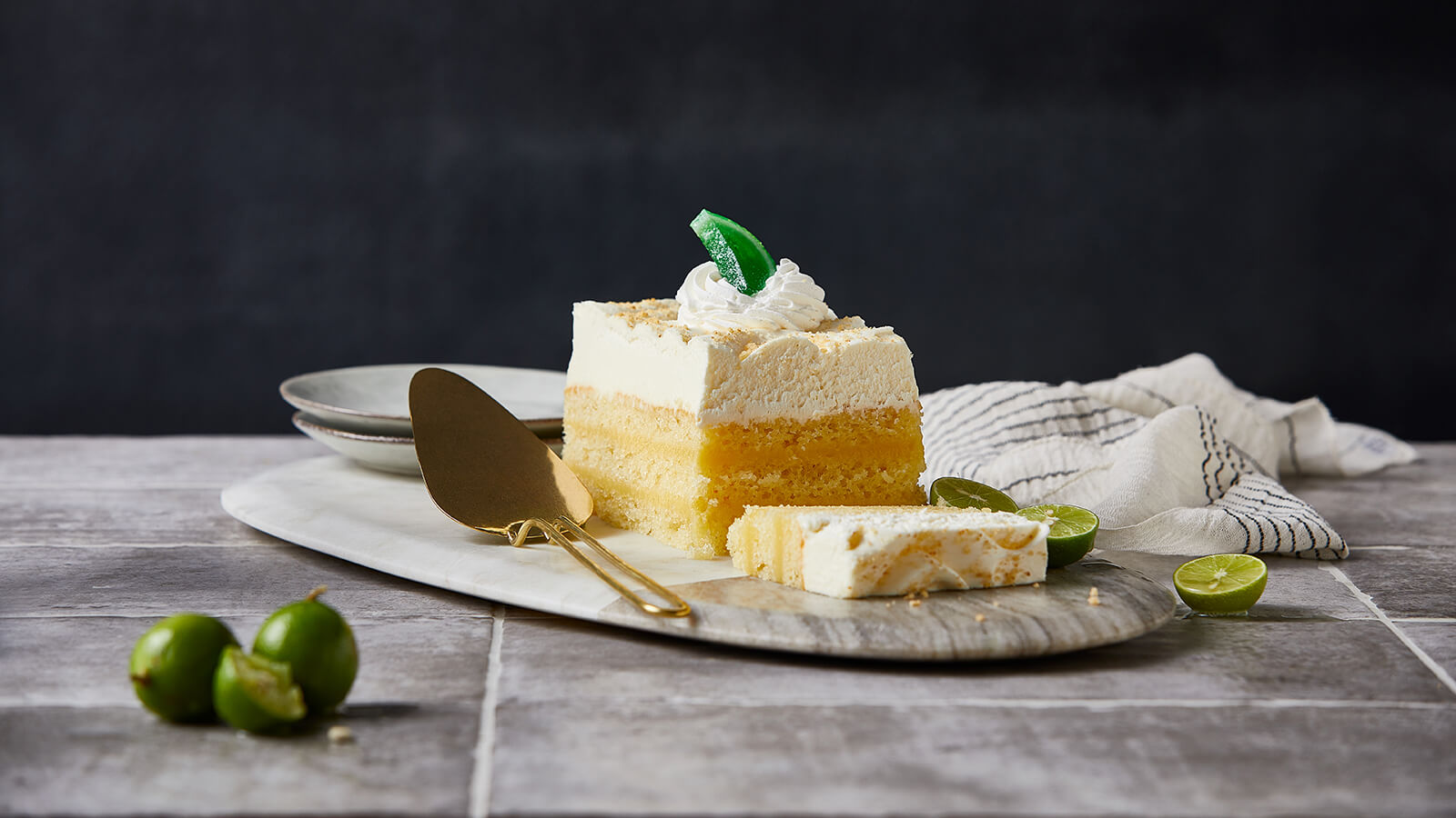 Key-Lime-Bar-Cake