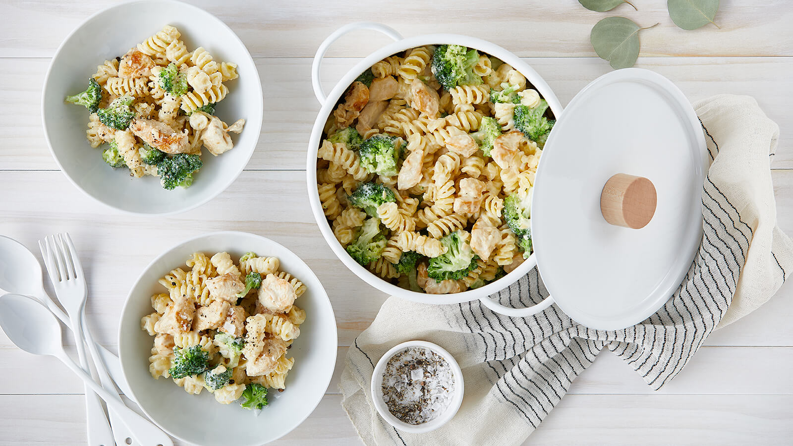 One-Pot Chicken and Broccoli Mac & Cheese