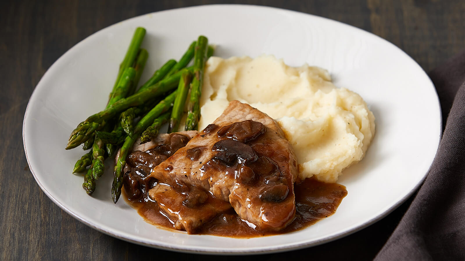 Veal Marsala with Homestyle Mashed Potatoes and Asparagus