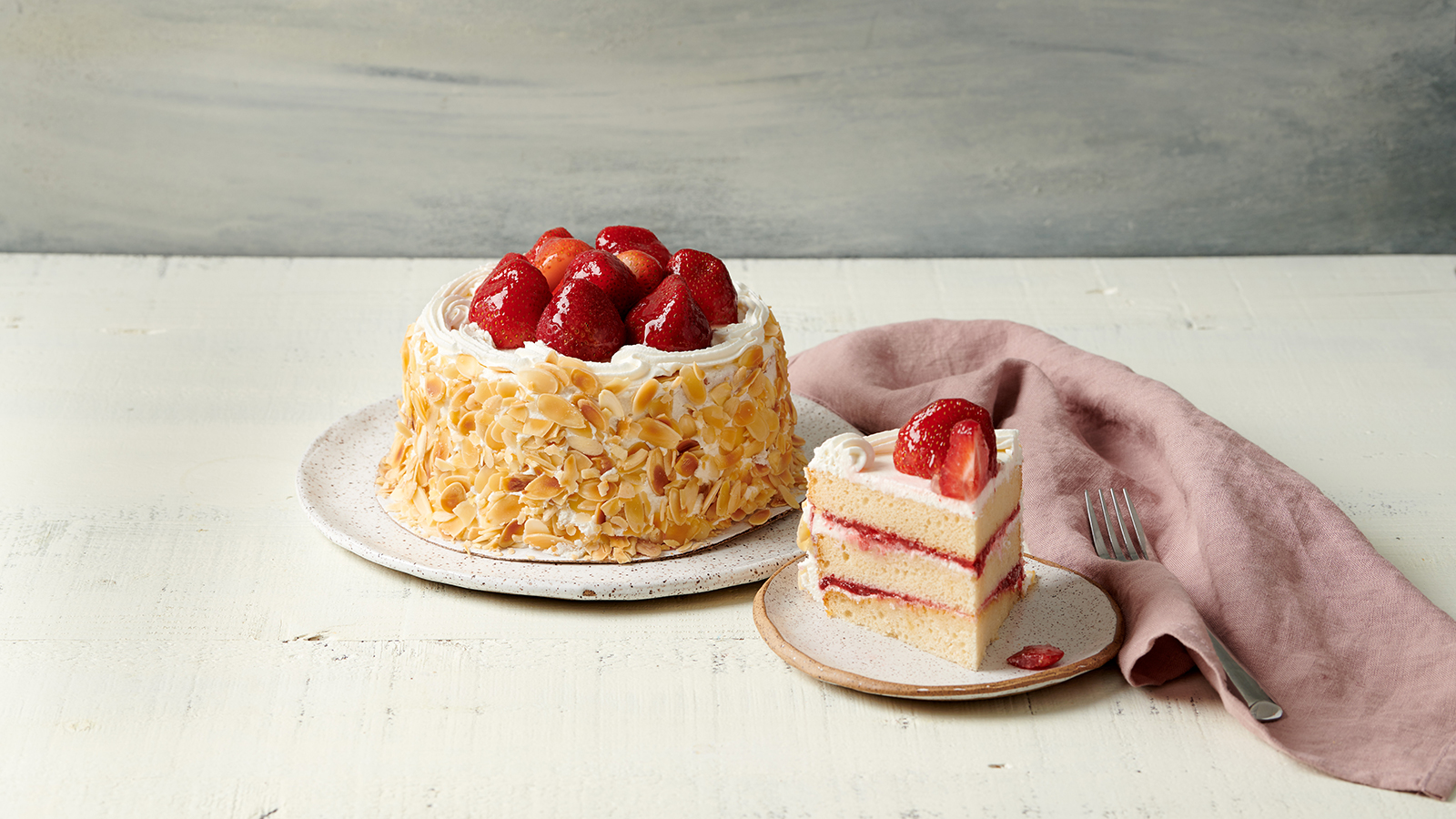 Strawberry Chantilly Cake