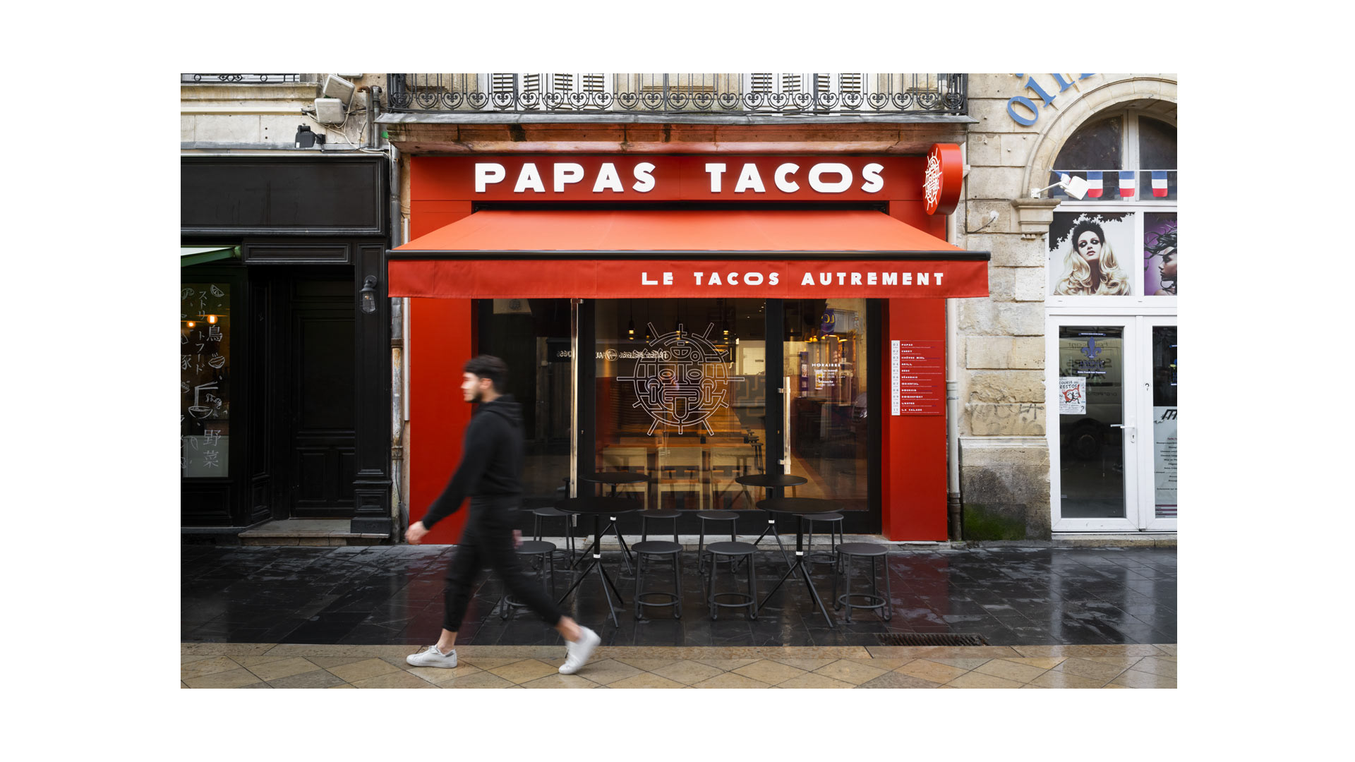 Papas Tacos Bordeaux storefront, rollerblinds and sign