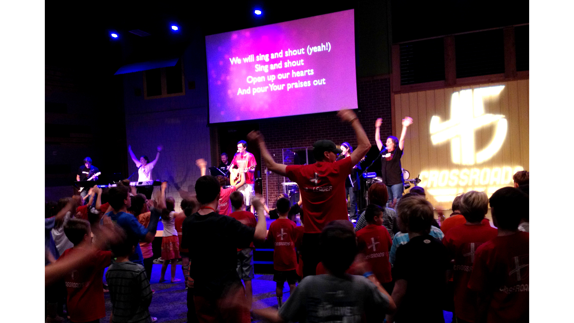 Worship God and Serve Your King! Hero Image