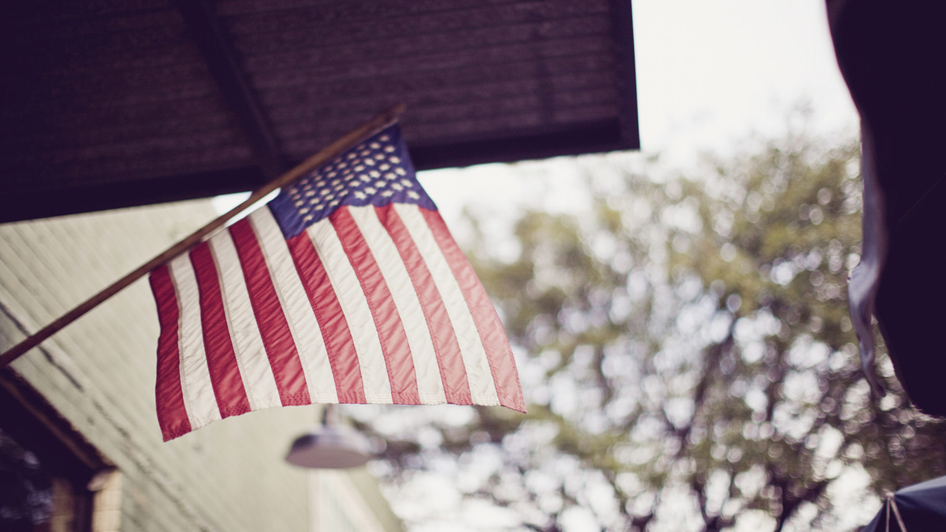 5 Things Christians Must Remember Before Going to the Polls Hero Image