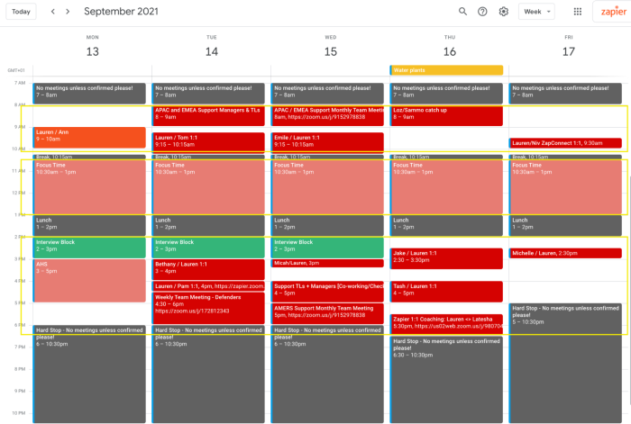 A screenshot of Lauren's week in Google Calendar showing horizontal rectangles around the times in each day she reserves for different activities, like meetings, or focused work.