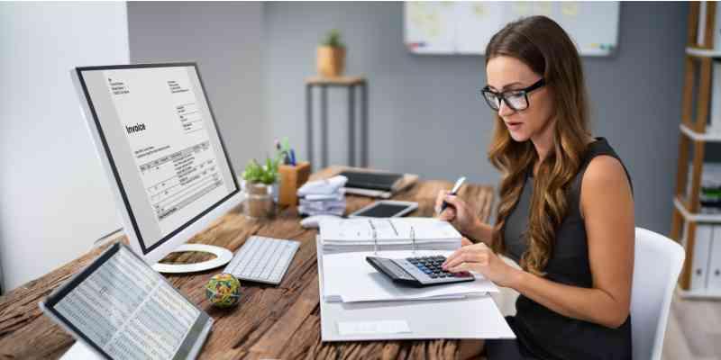 why-hire-a-bookkeeper-00-hero