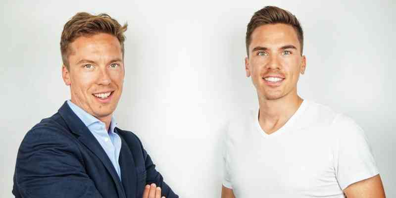 Two men, the co-founders of krankenversichern.at, are pictured. At left is Benjamin Arthofer, co-founder and CEO. At right is Sebastian Arthofer, co-founder and CMO.