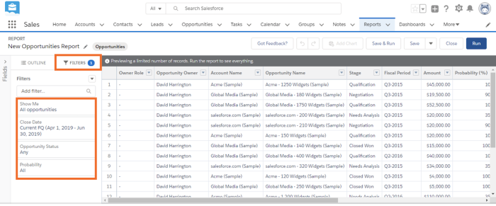 Configure filtros para mostrar todas las oportunidades de ventas actuales en el trimestre fiscal actual para toda la empresa