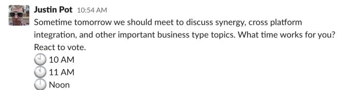 Un mensaje de Slack preguntando a las personas a qué hora quieren reunirse.  Entonces emojis con los tiempos de arriba, junto a los tiempos escritos en palabras.