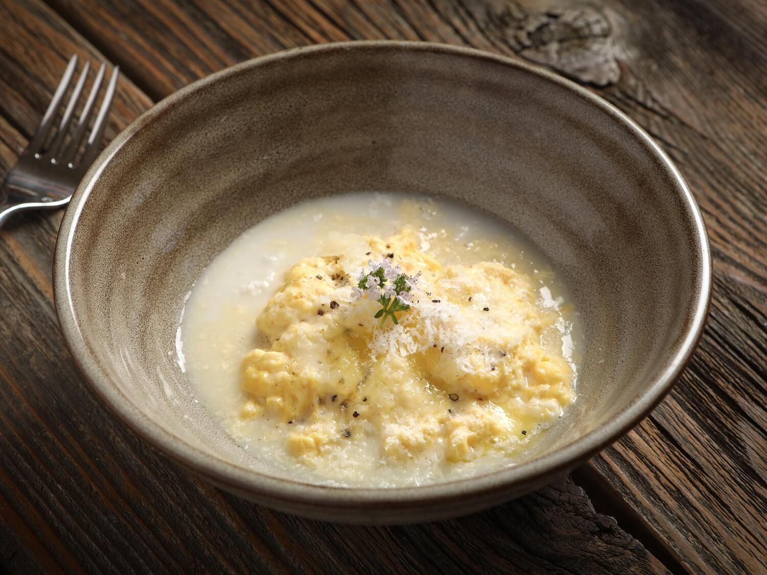 almond-milk-poached-scrambled-eggs-web