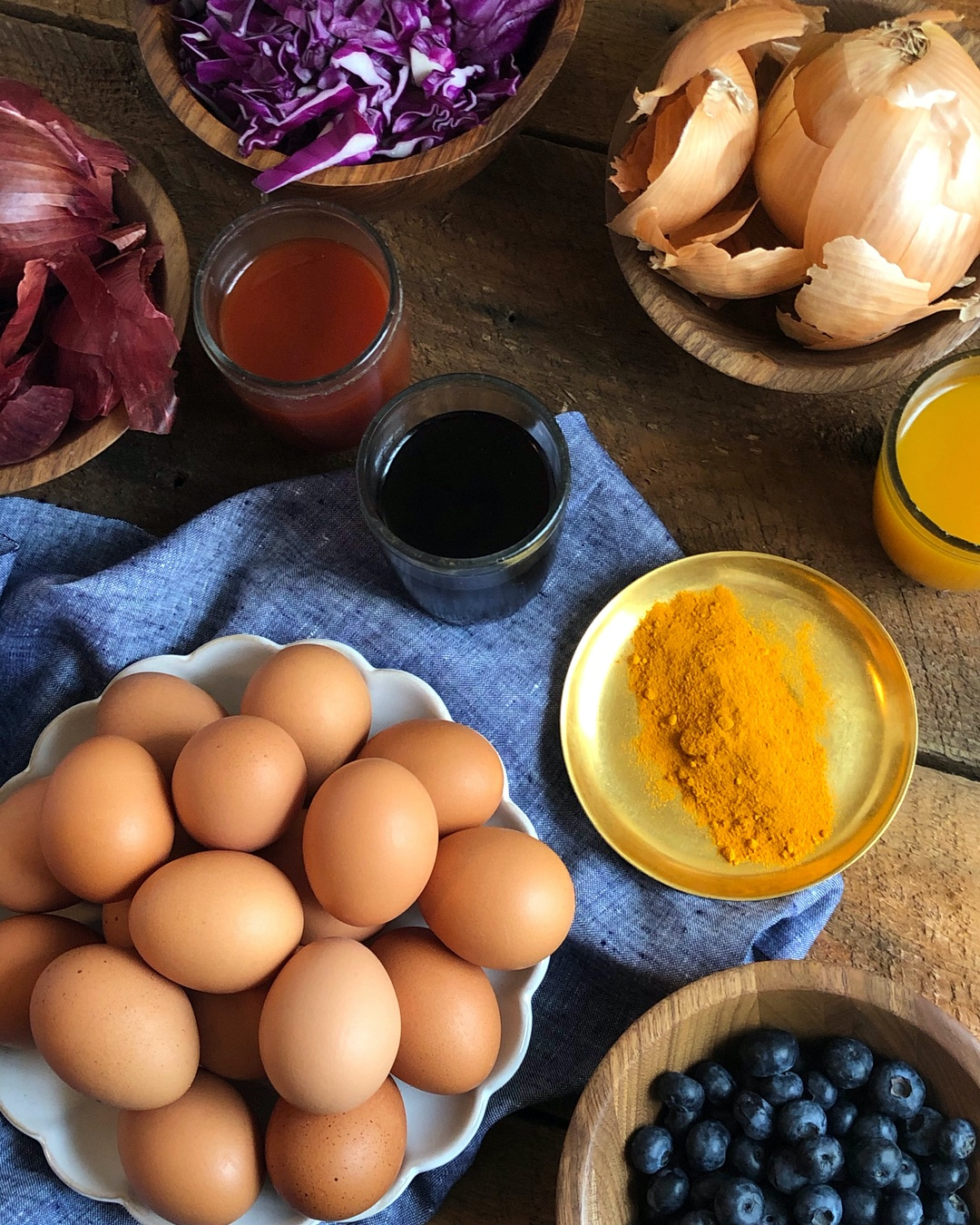 dye-eggs-naturally-ig-ingredients