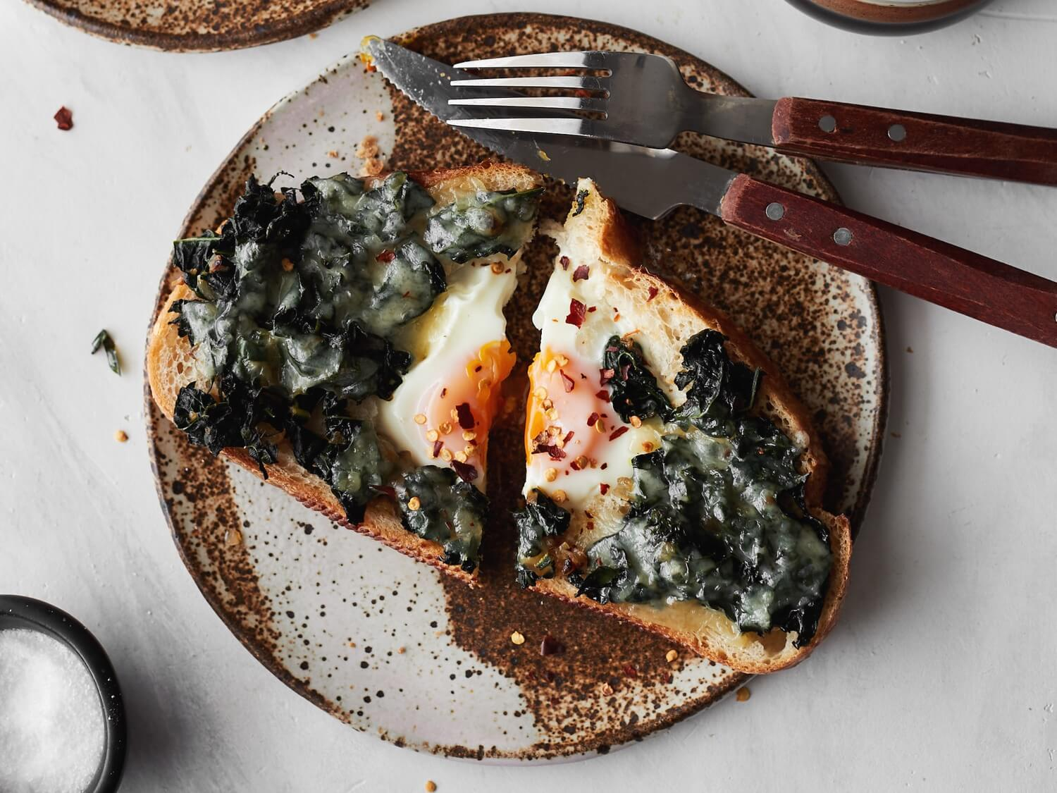 garlic-kale-egg-in-hole-web