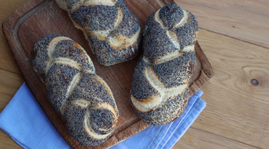 Świeży chleb z supermarketu