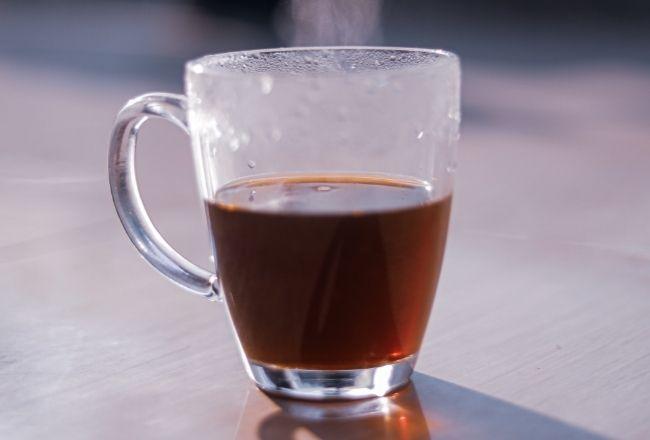 Ciepła herbata na upały