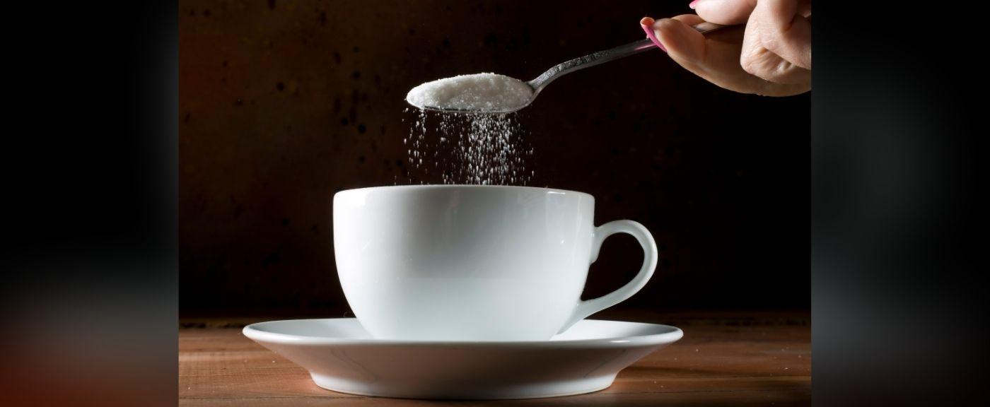 Herbata powinna być słodzona w odpowiednim momencie