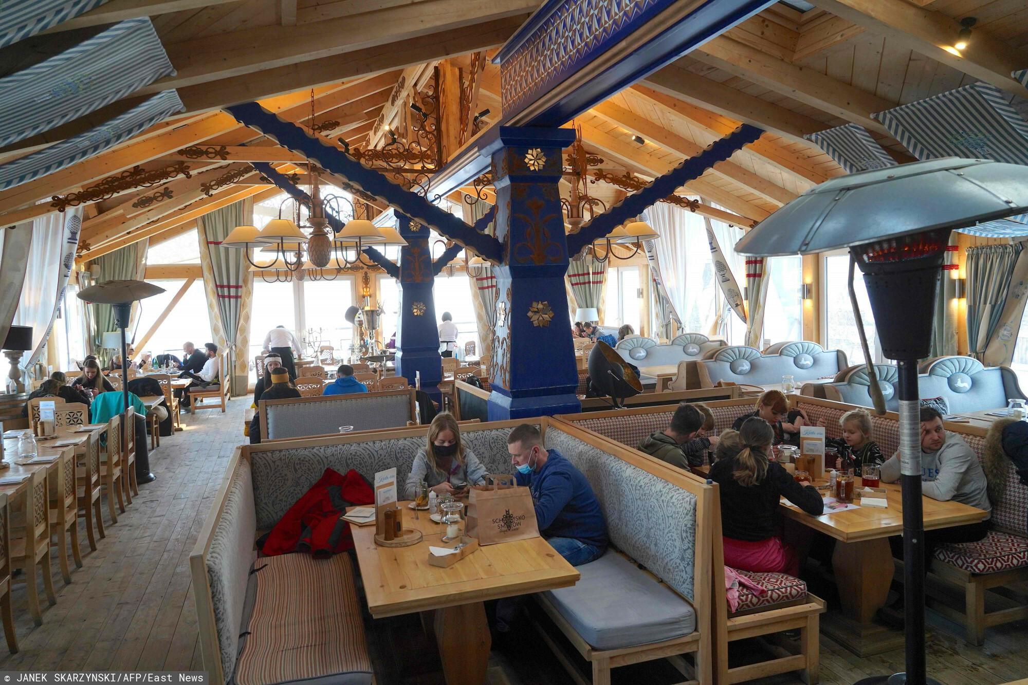 Wnętrze restauracji Schronisko Smaków