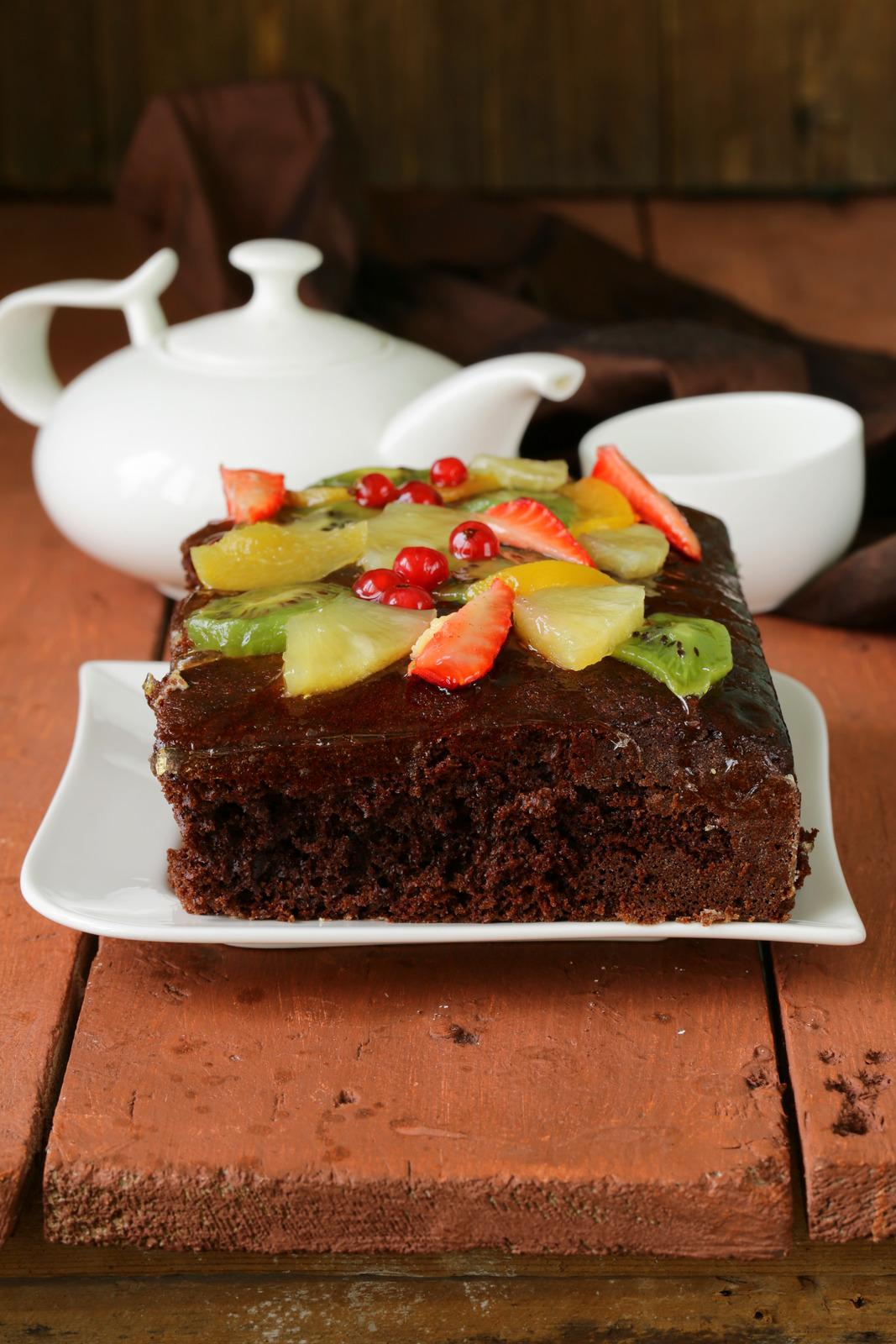 Ciasto czekoladowe z owocami