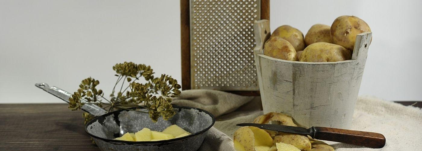 Placki ziemniaczane - jak trzeć ziemniaki?