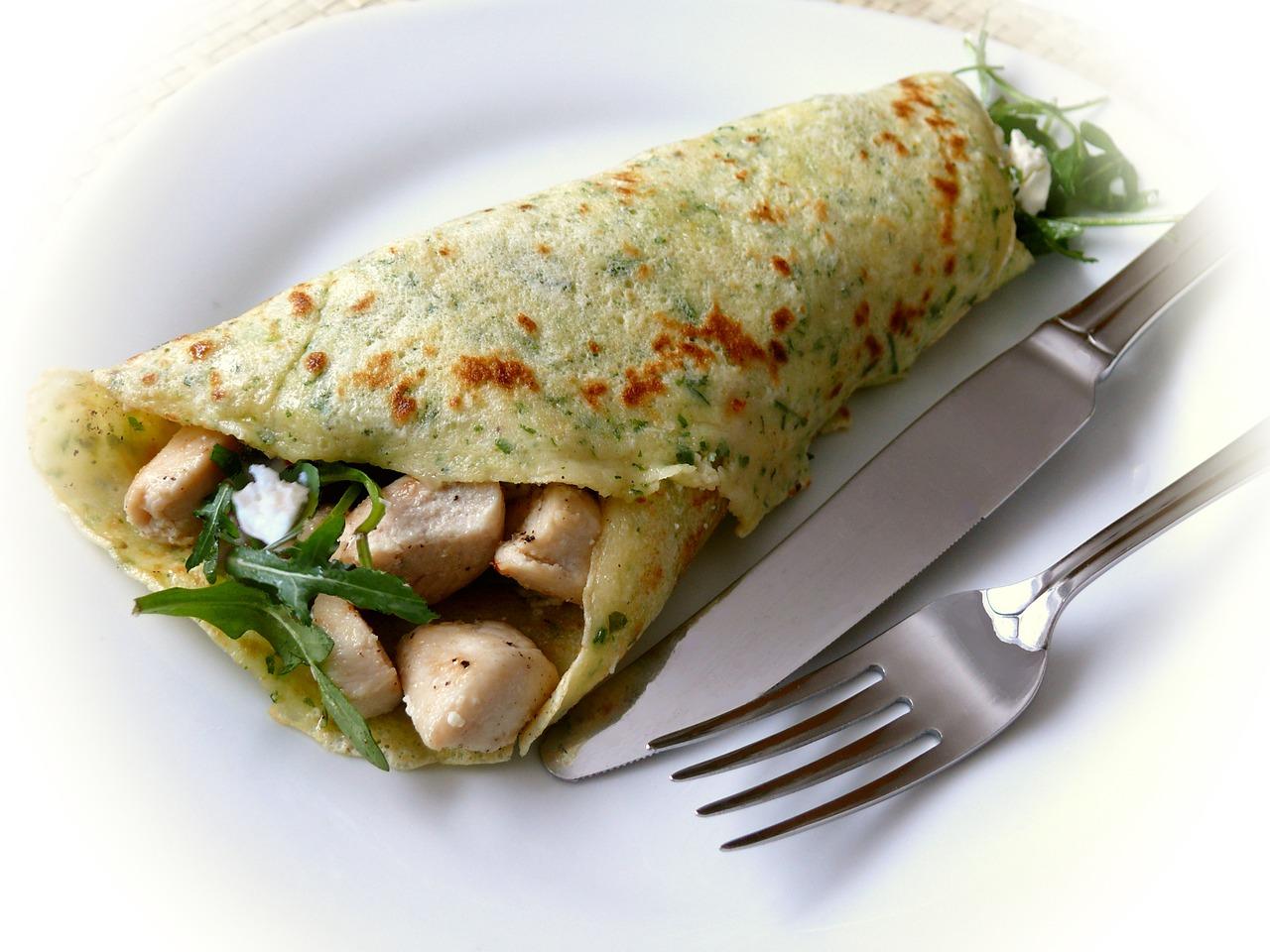 Naleśniki zapiekane z kurczakiem, szpinakiem i gorgonzolą