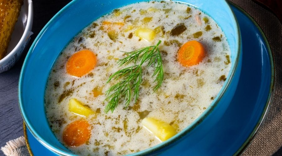 Zupa ogórkowa w wyjątkowym wydaniu