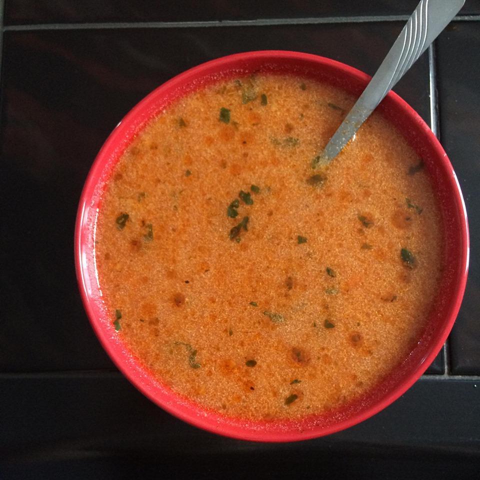 Zupa pomidorowa z innym składnikiem