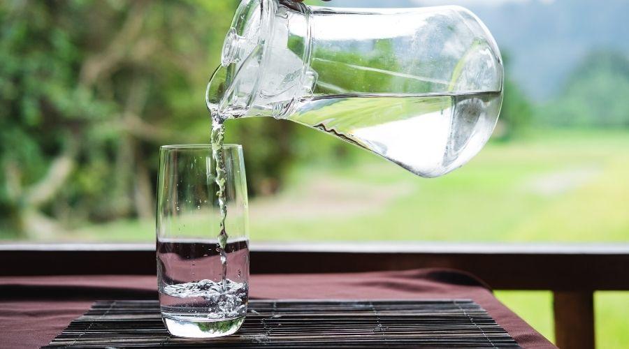 Co dodać do wody w czasie upałów?