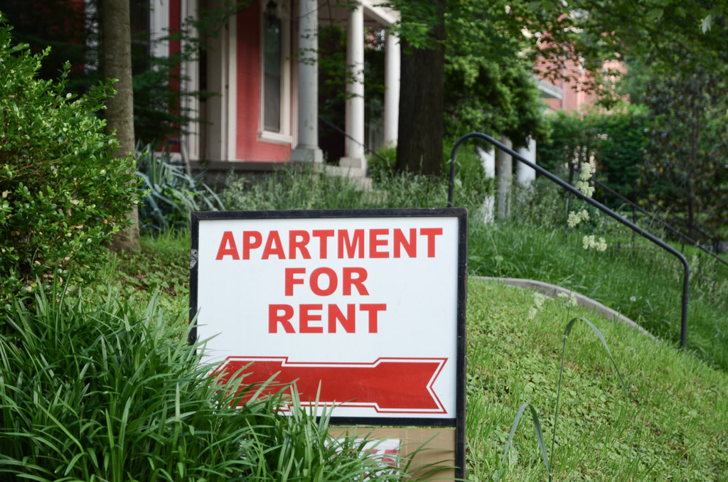 Apartment for rent sign