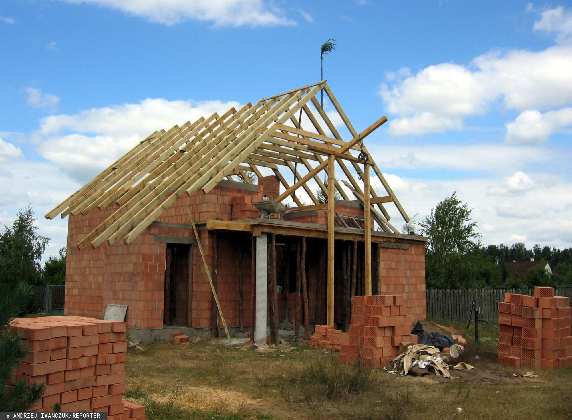 Odważna zapowiedź Prawa i Sprawiedliwości na temat dopłat do budowy domu