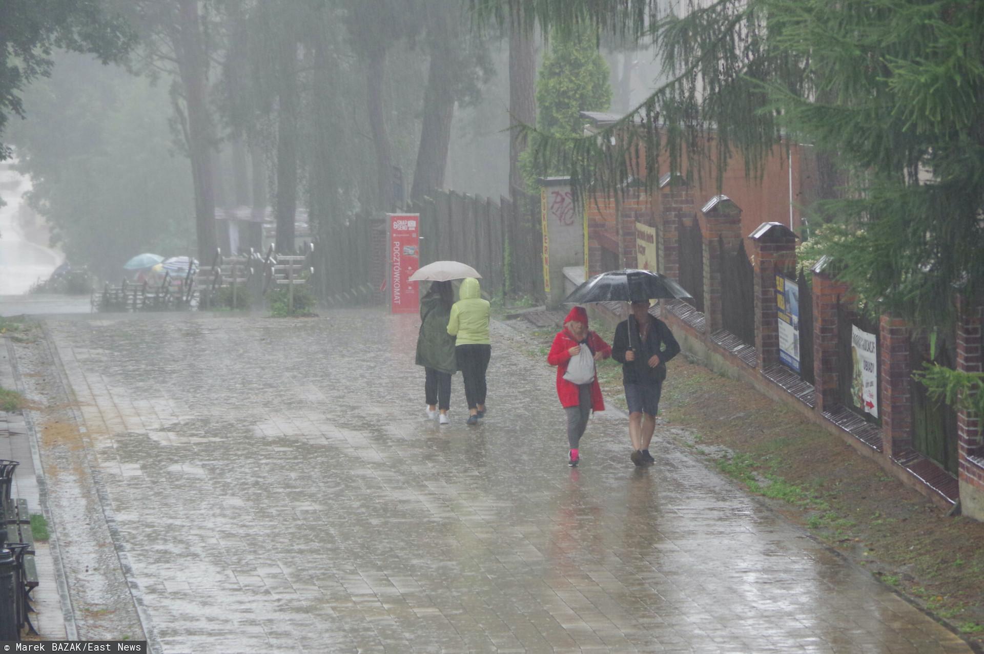 W środę ponownie zagrzmi i spadnie ulewny deszcz