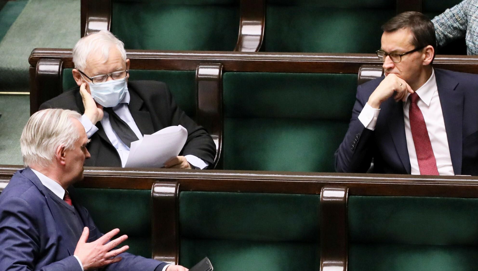 Szef Porozumienia Jarosław Gowin domaga się zdymisjonowania trzech ministrów z ugrupowania.