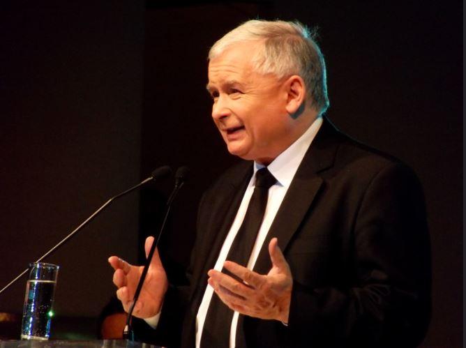 """Jarosław Kaczyński skomentował rzekome """"narzucanie ideologii LBGT""""."""