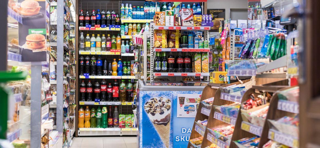 Jak podatek cukrowy wpłynął na sprzedaż napojów słodzonych?