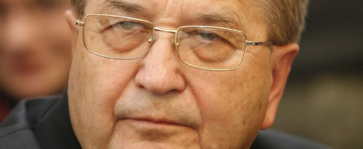 Grupa senatorów wystąpiła w obronie fundacji kierowanej przez Tadeusza Rydzyka.
