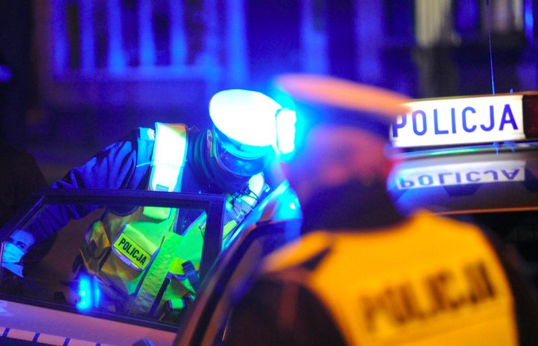 W sobotę wieczorem nieznany mężczyzna próbował przejeżdżać BMW przechodniów w Radymnie na Podkarpaciu