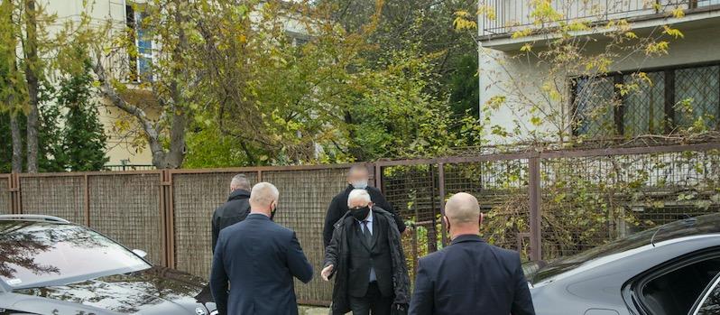 Droga pod domem Jarosława Kaczyńskiego nie wygląda najlepiej