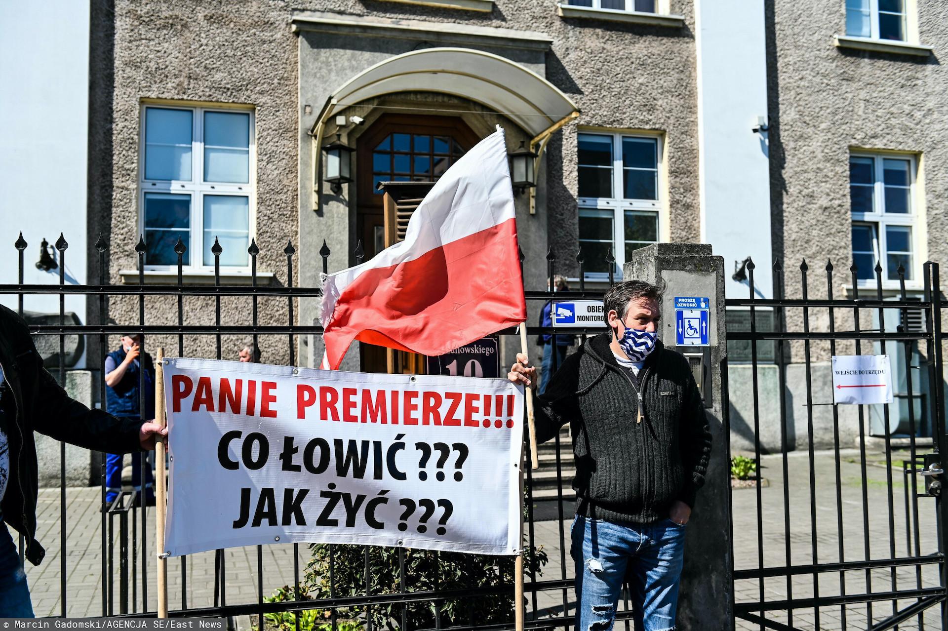 W sobotę droga na Hel została zablokowana w ramach protestu rybaków
