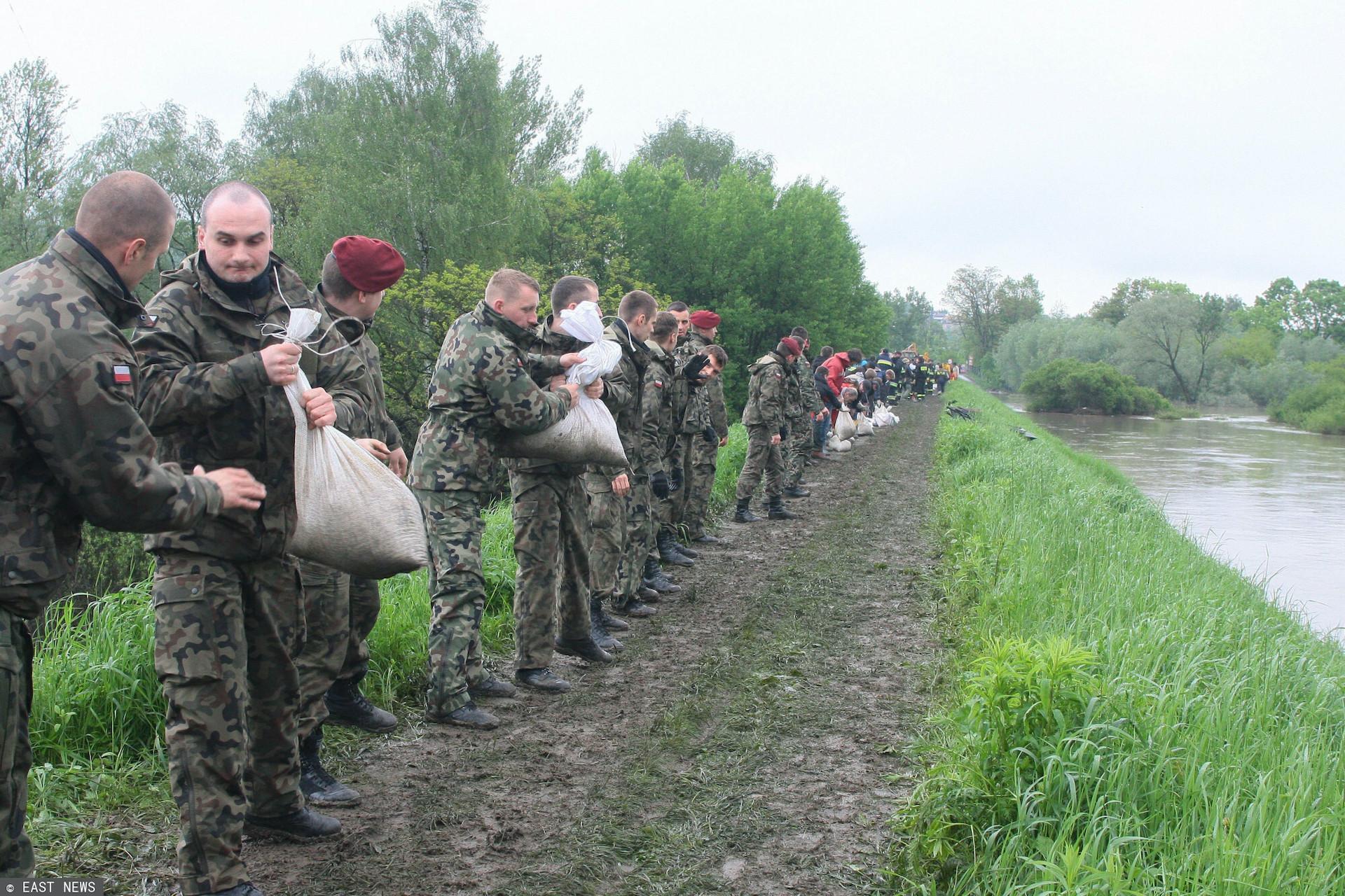 Wojska Obrony Terytorialnej w związku z zagrożeniem mają pozostać w gotowości